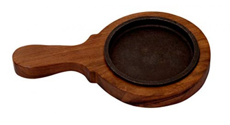 Brownie cast Iron 5″ Sizzler Plate with Handle Wooden Base Brown (5 inch)