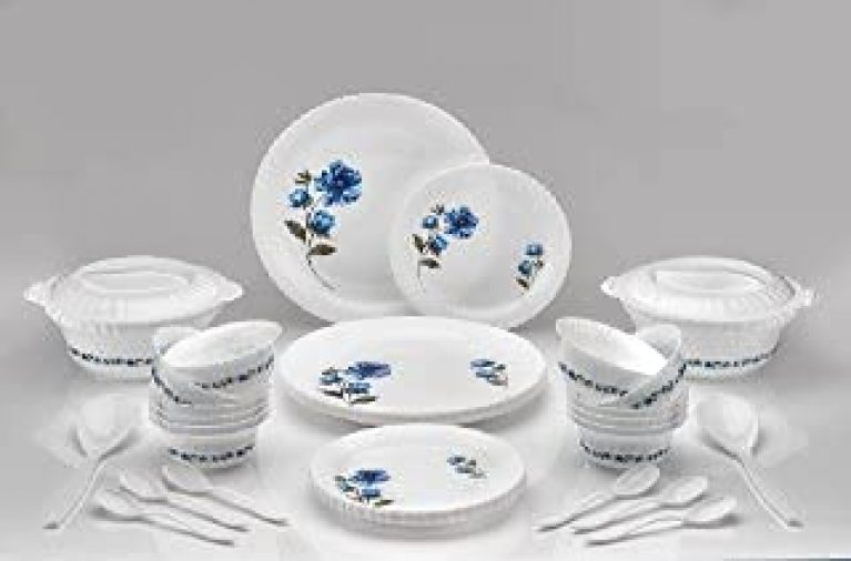 Plastic 36psc Dinner Set, Printed Round Dinner Set. 6 Big PLATS, 6 Small PLATS , 12 Small Bowl, 2 Big Bowl with 2 LID, 2 Big Spoon and 6 Table Spoon Multi Color
